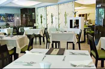 Karolina Fűszerkertje Étterem